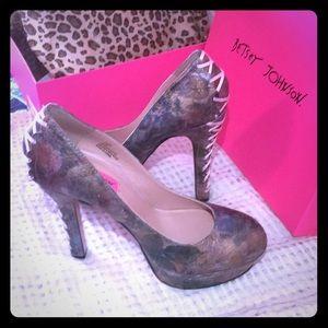 Betsy Johnson x Steve Madden heels